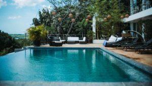 Keramik Pool Kosten: Was kostet ein Keramik Pool oder ein GFK Pool für den Garten