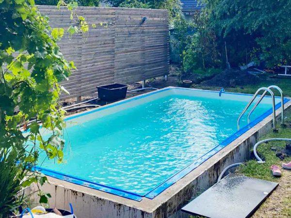 pool kosten: Was kostet der Bau eines eigenen Pools? Kosten rund um den Poolbau und Poolbauer. Swimmingpool, Edelstahlpool Kosten und GFK Pool